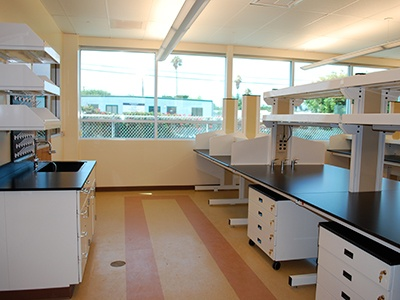 modular-laboratory-furniture
