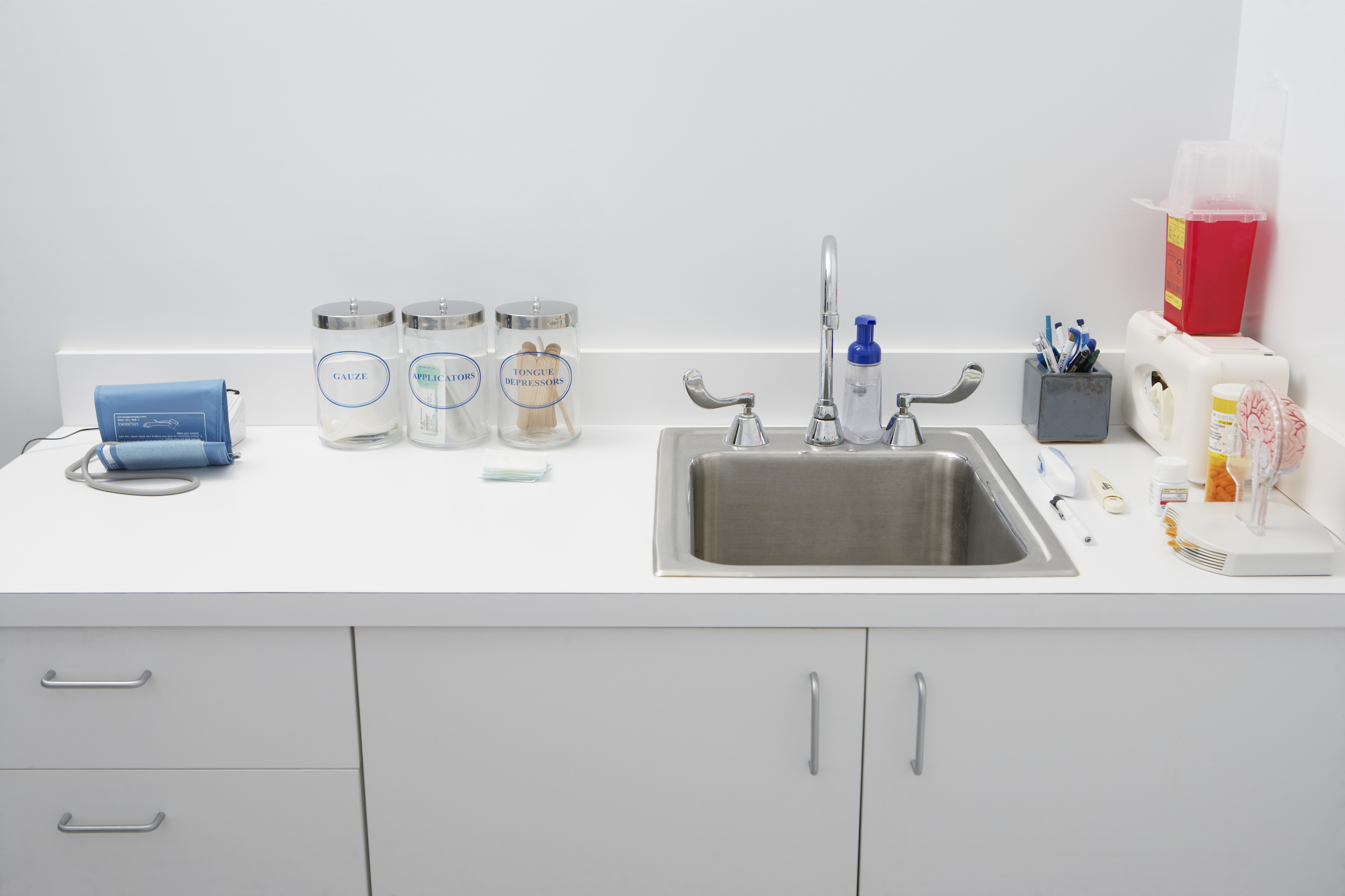 What Are Laboratory Cabinets And Countertops Made Of